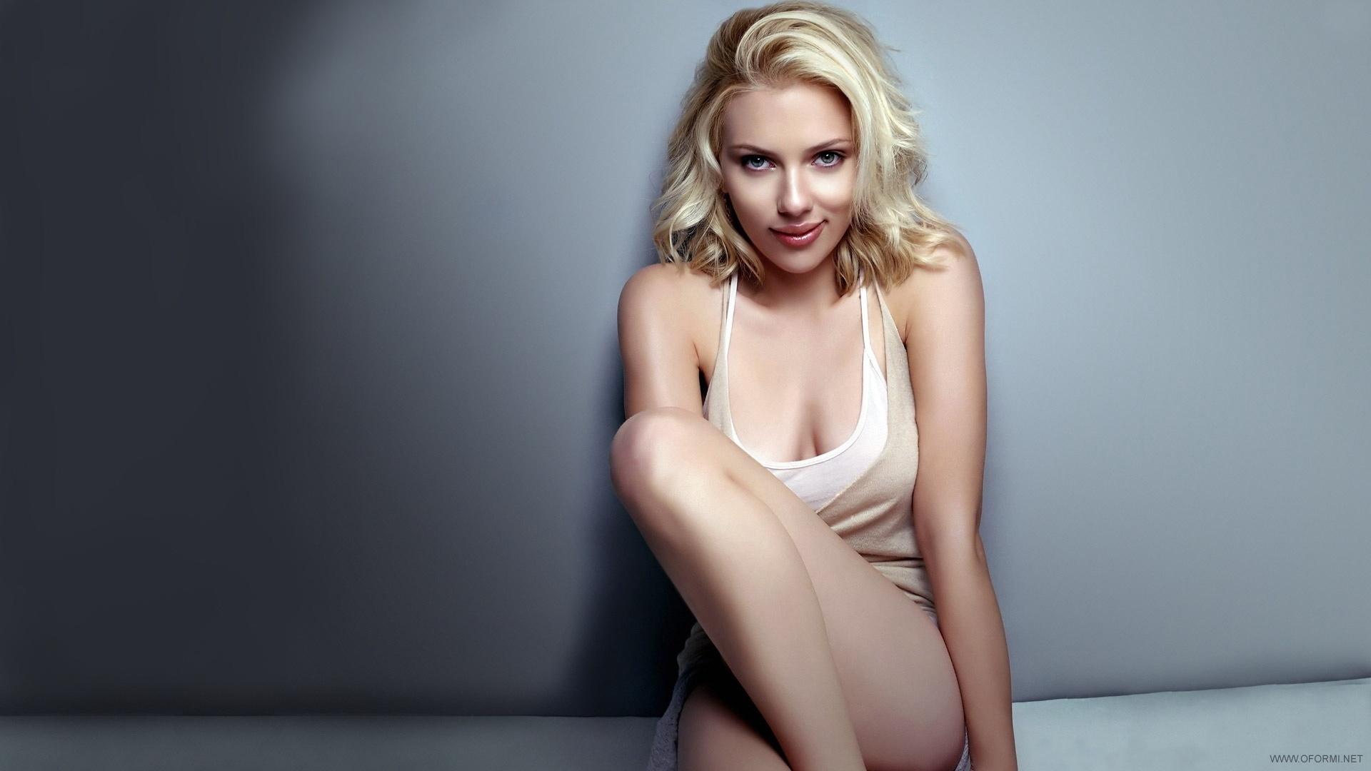 Scarlett Johansson Sexy Wallpapers