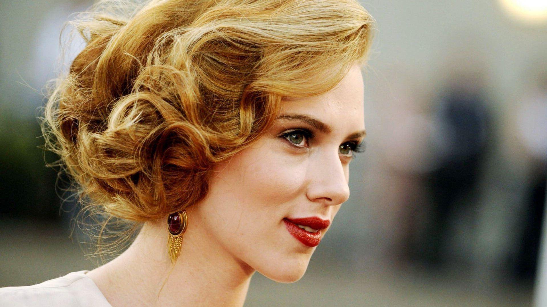 Scarlett Johansson For Desktop