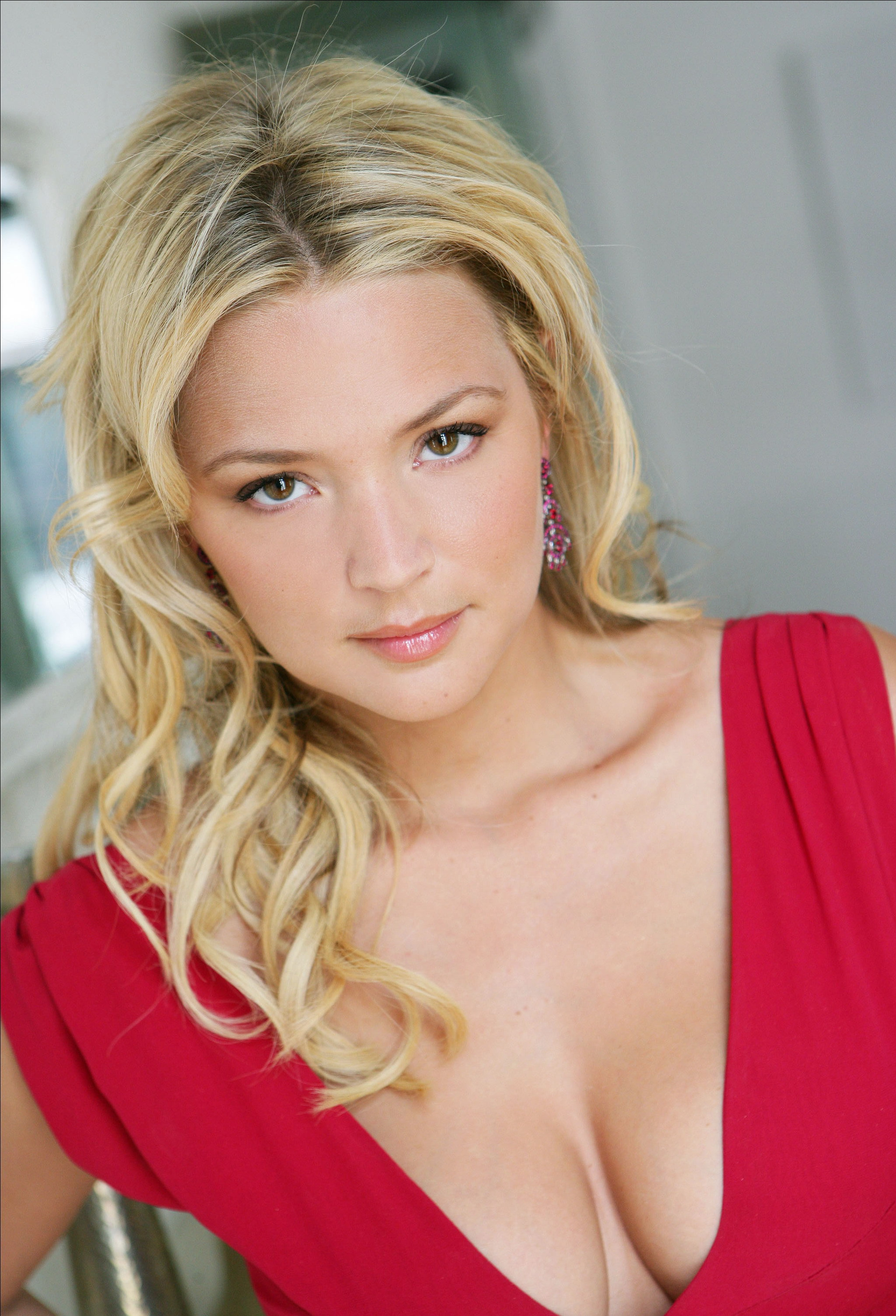Virginie Efira Android Wallpapers