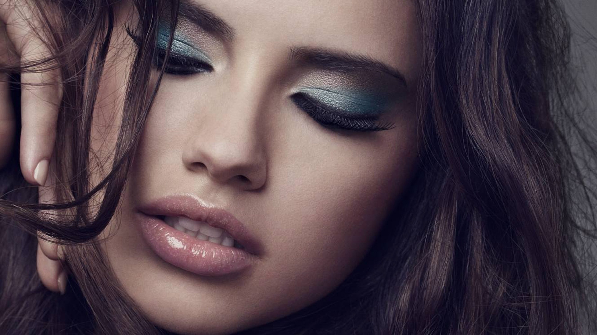 Adriana Lima High Definition Wallpapers