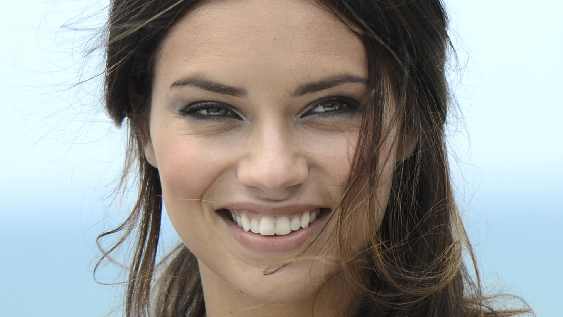 Adriana Lima Wallpaper For Laptop