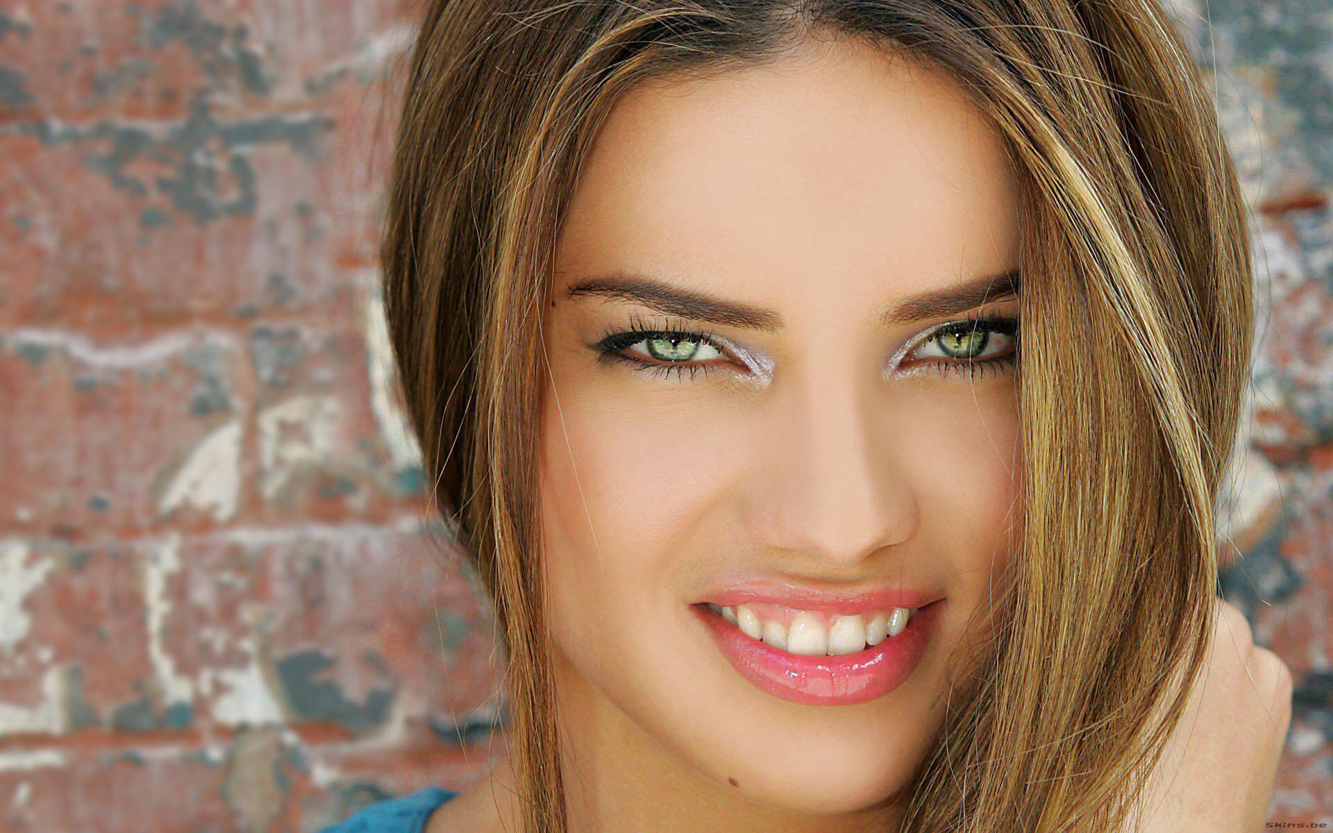 Adriana Lima Full HD