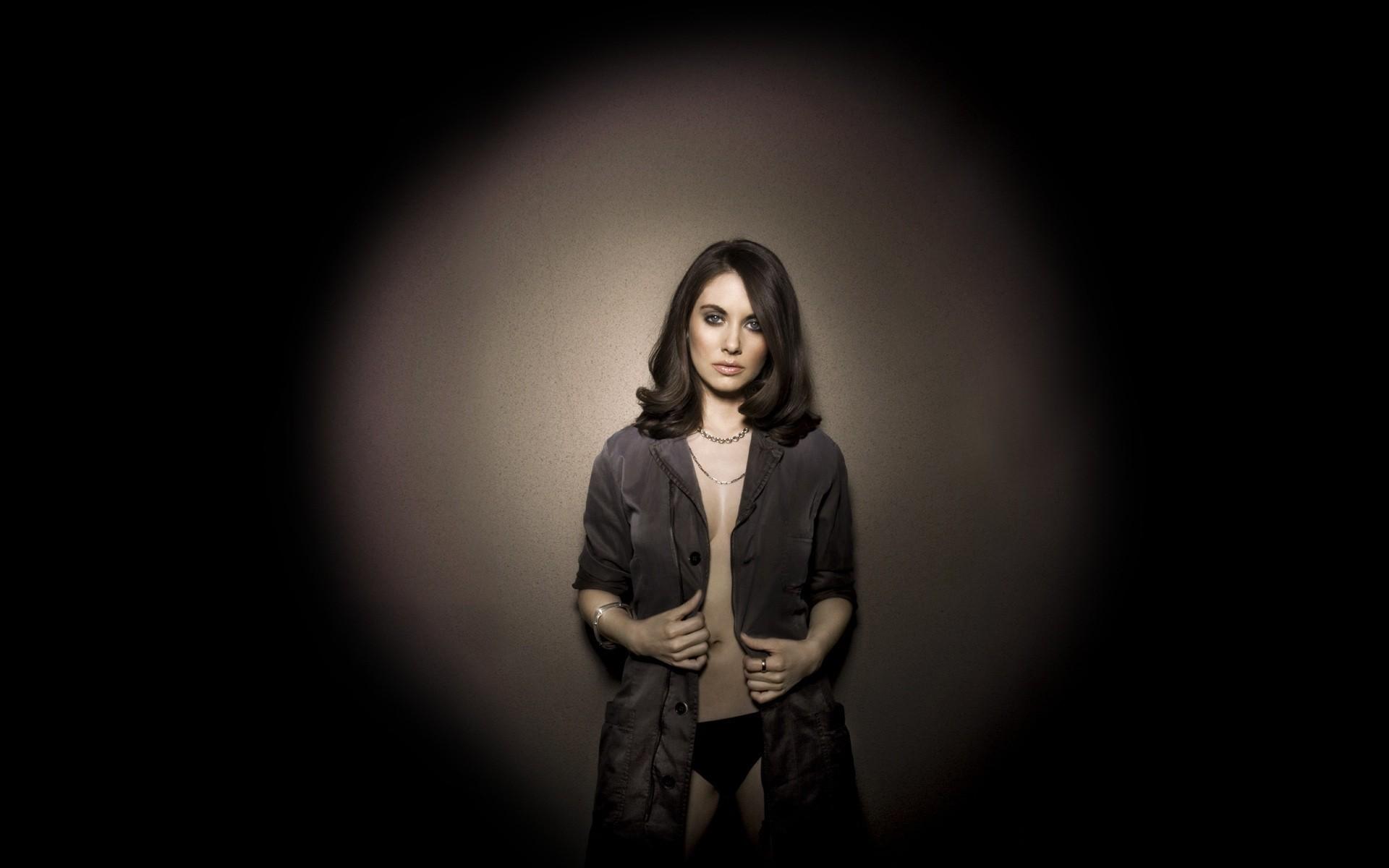 Alison Brie Desktop Images
