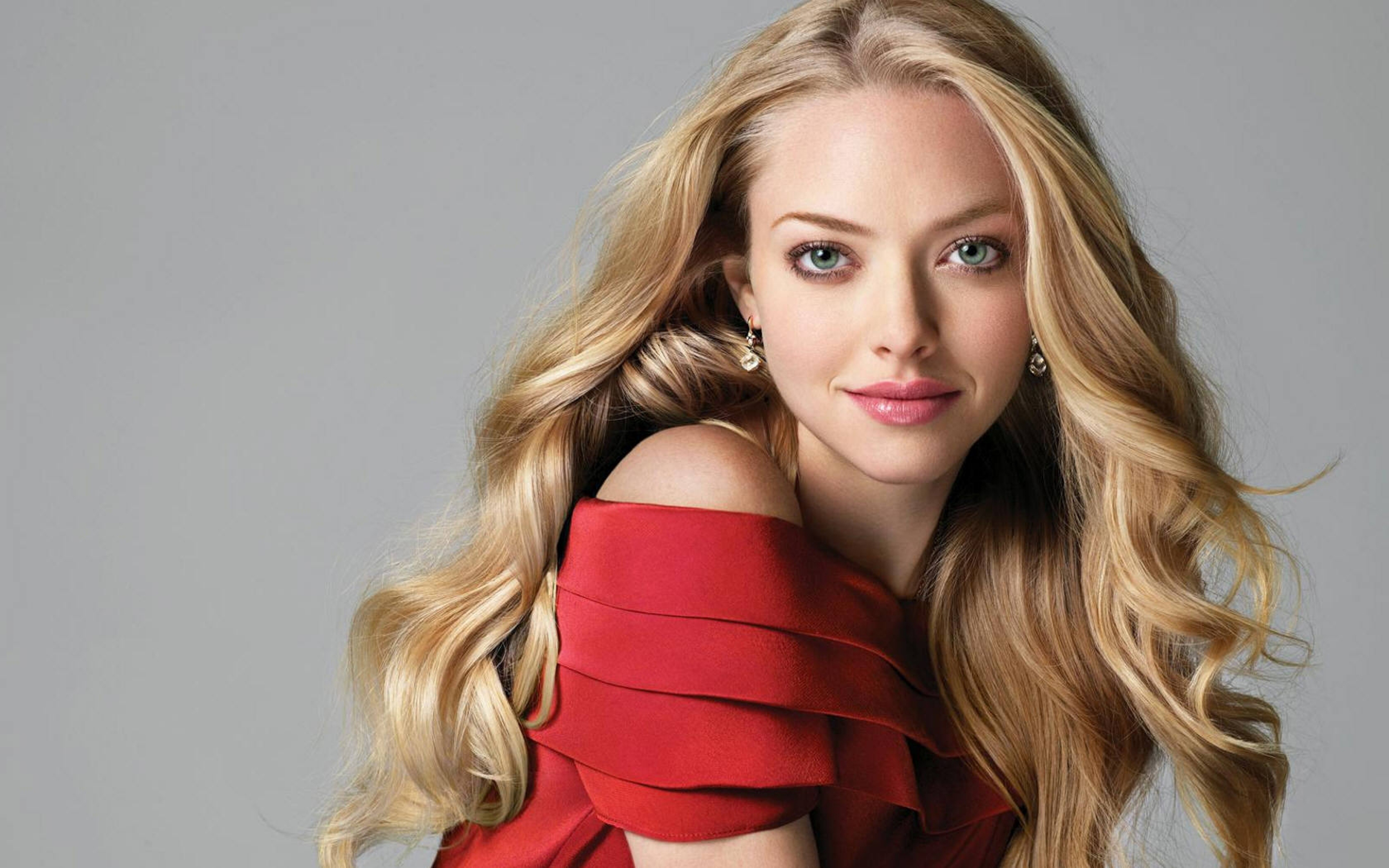 Amanda Seyfried High Definition Wallpapers