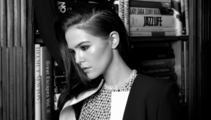 Amazing Zoey Deutch HD Image