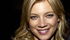 Amy Smart HD Background