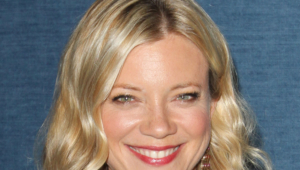 Amy Smart For Desktop