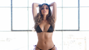 Ana Cheri Wallpaper