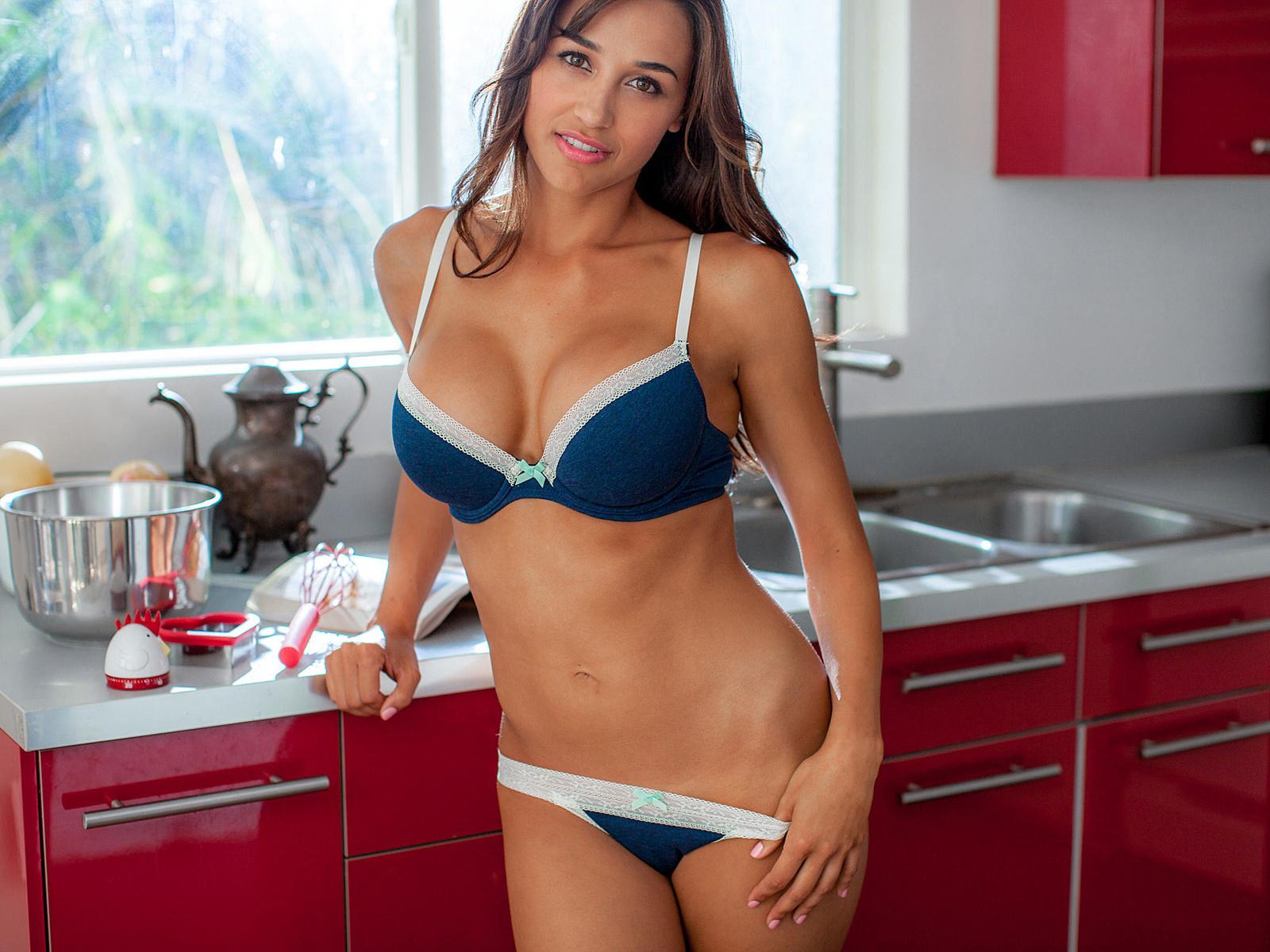 Ana Cheri Full HD