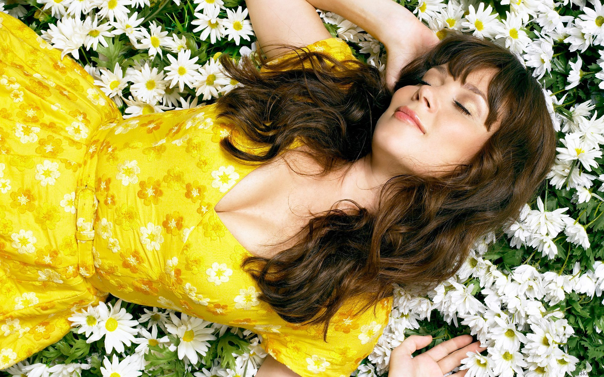 Anna Friel For Desktop