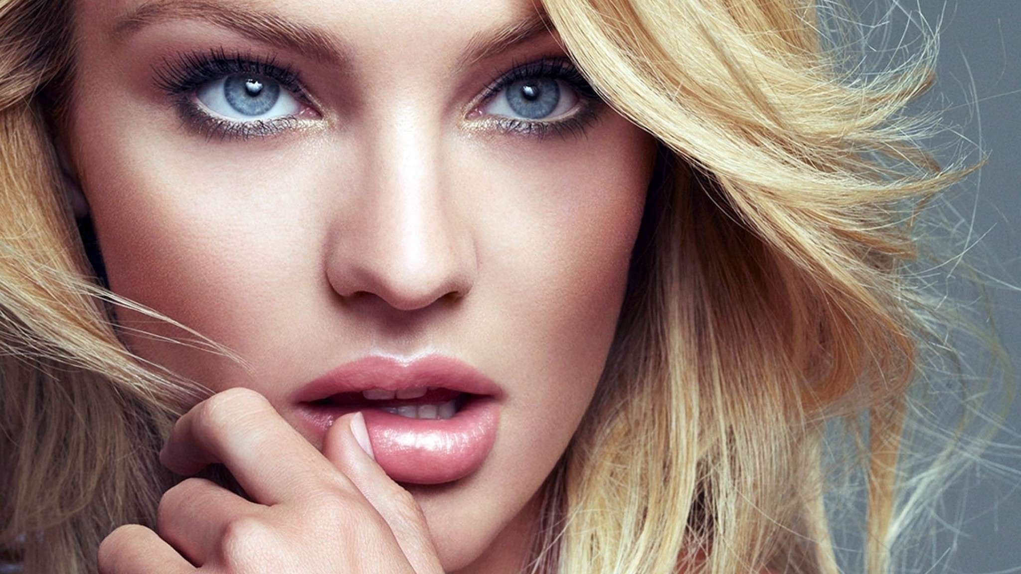 Candice Swanepoel Wallpapers Images Photos Pictures ...