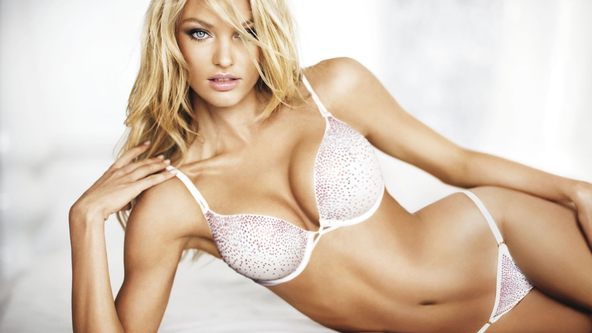Candice Swanepoel Wallpaper For Laptop