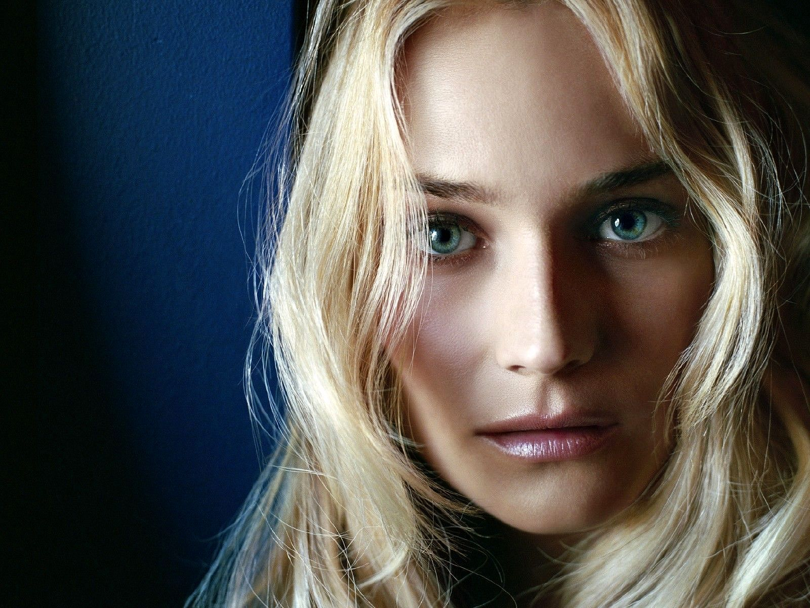 Diane Kruger Wallpapers And Backgrounds