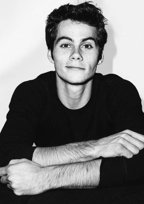 Dylan O'Brien Iphone Wallpapers