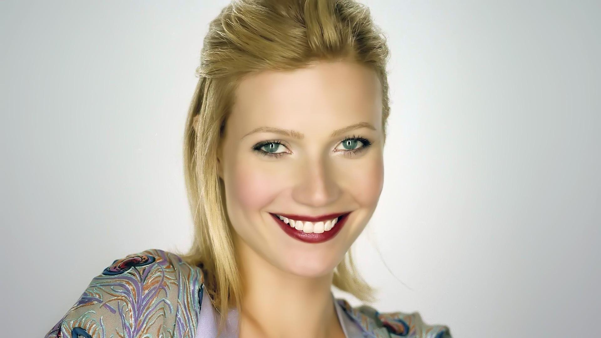 Gwyneth Paltrow Widescreen