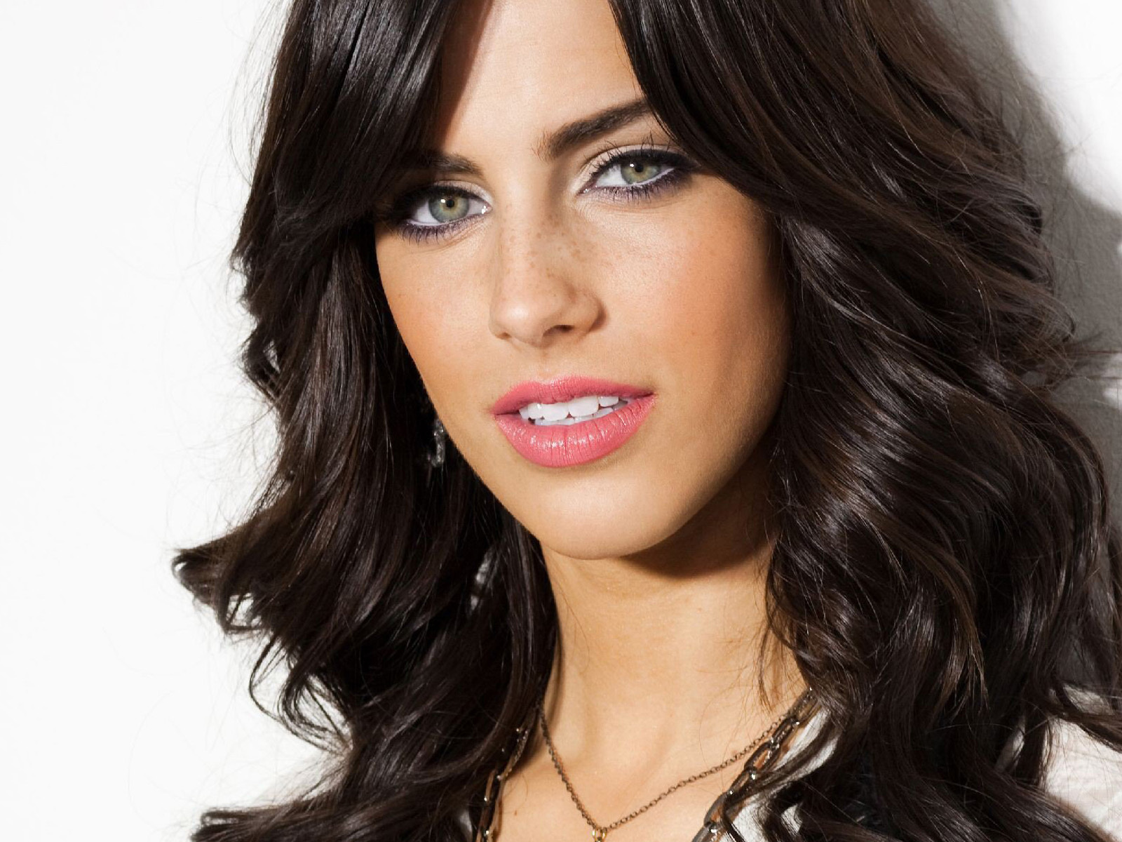 Jessica Lowndes Images