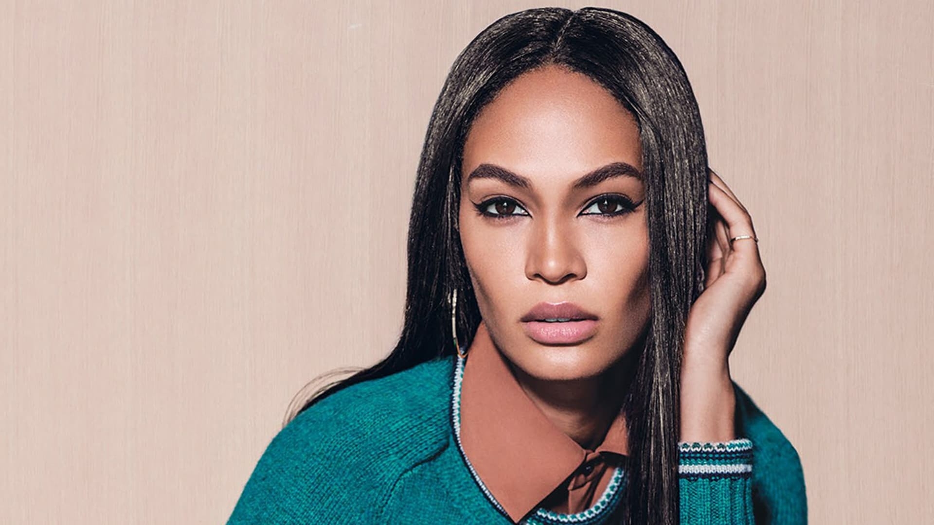 Joan Smalls Background