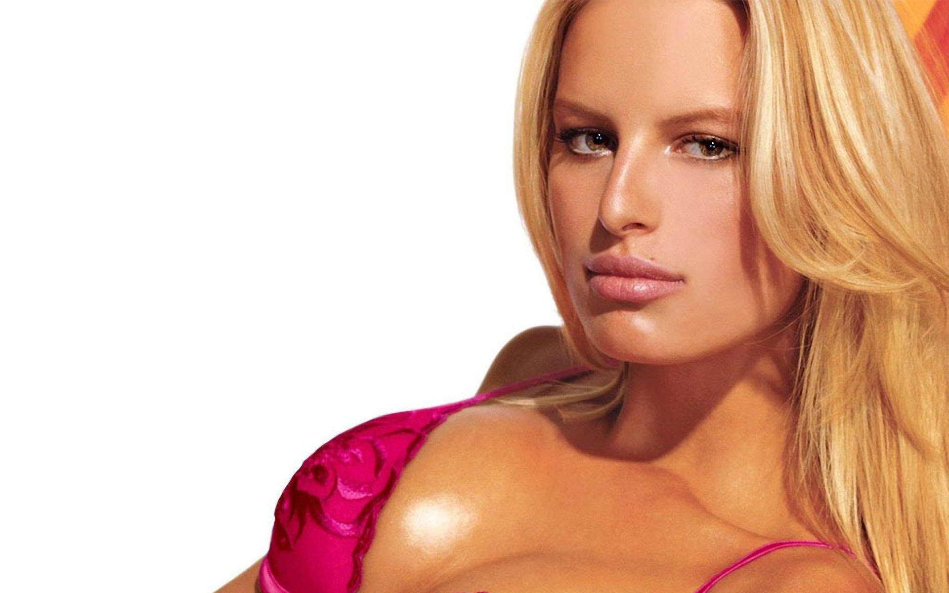 Karolina Kurkova HD Background