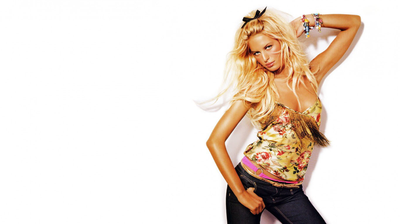 Karolina Kurkova For Desktop Background