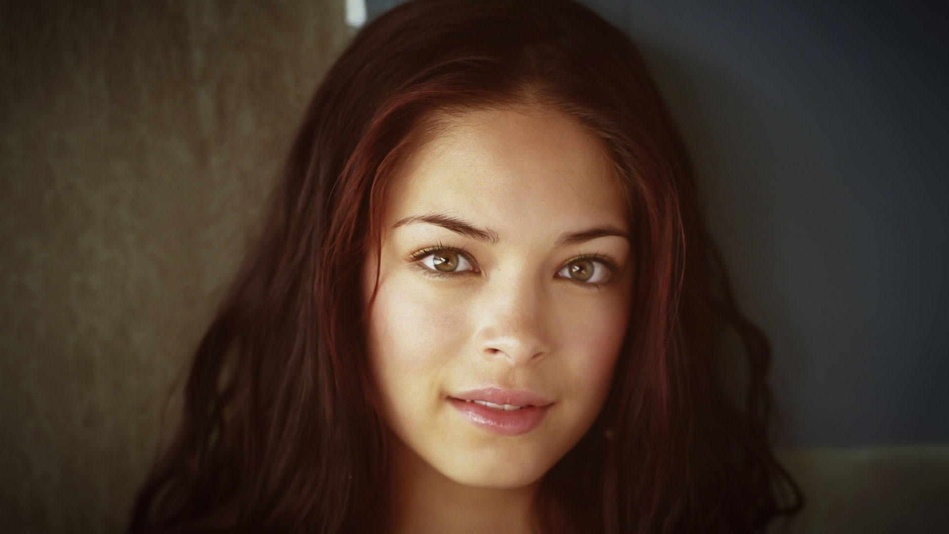 Kristin Kreuk Background