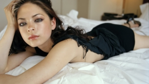 Kristin Kreuk UHD Wallpaper