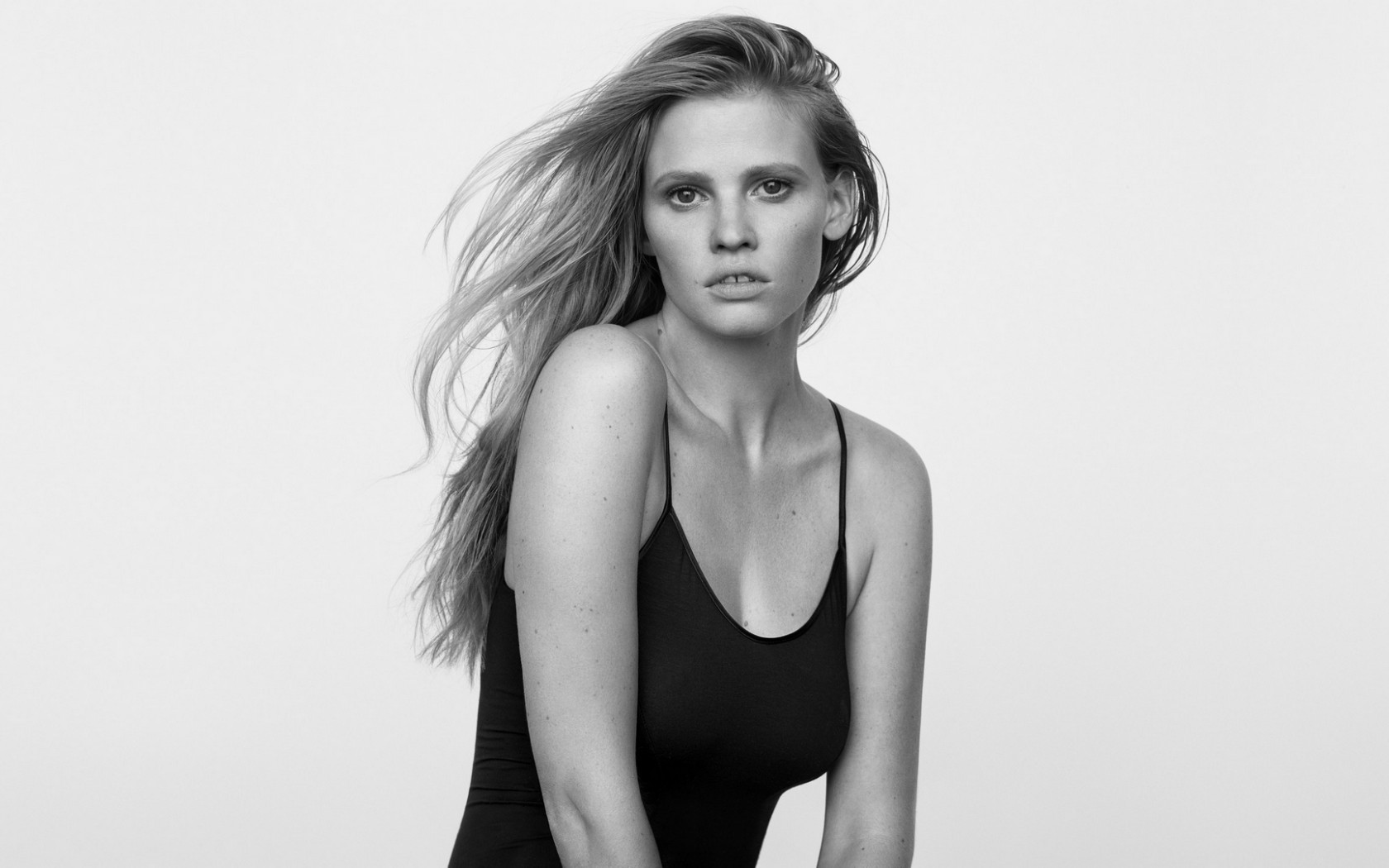 Lara Stone Widescreen