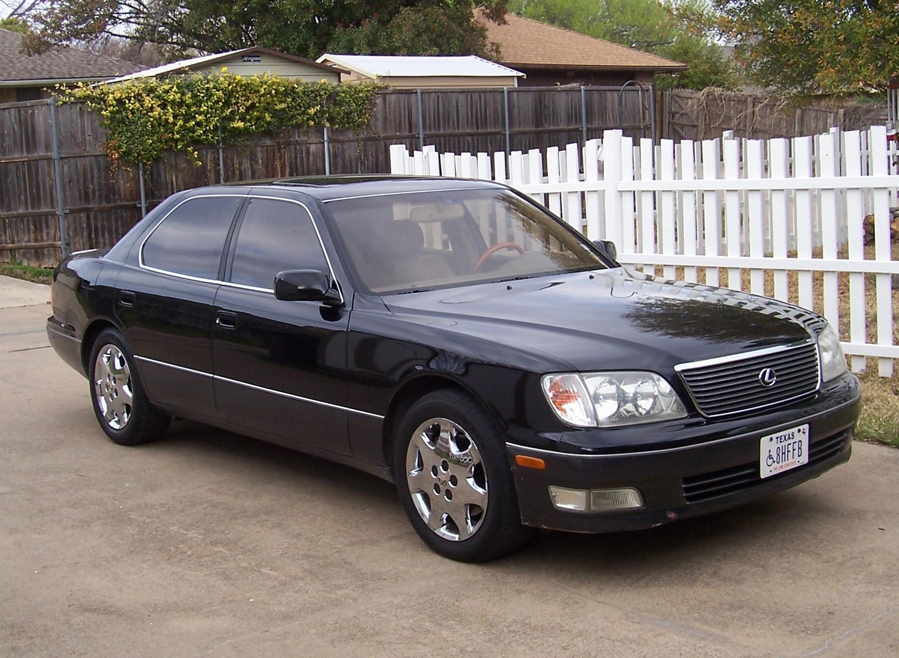 Lexus LS 400 Photos