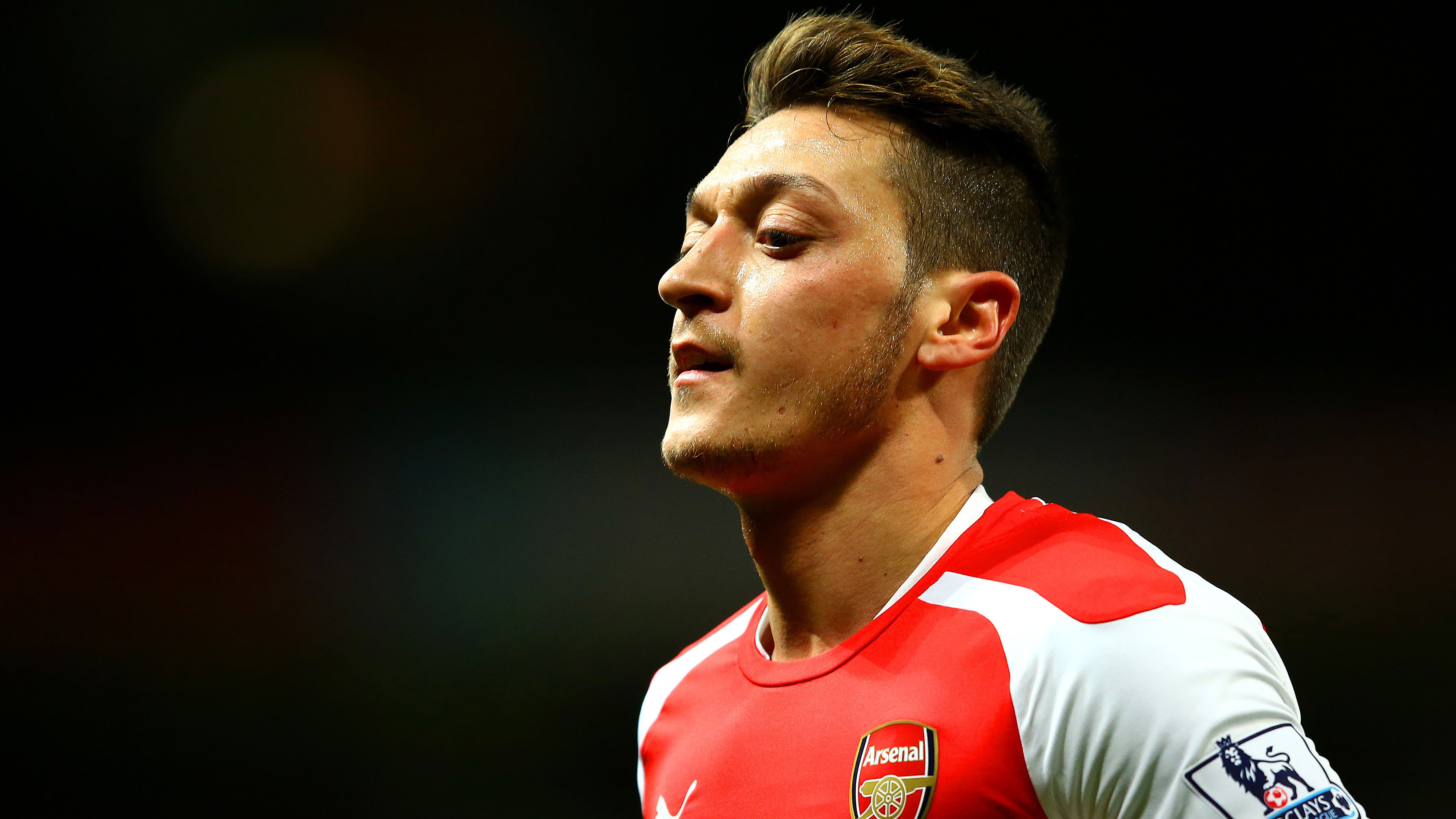 Mesut Ozil High Definition Wallpapers