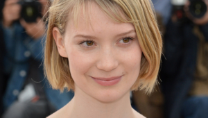 Mia Wasikowska Android Wallpapers
