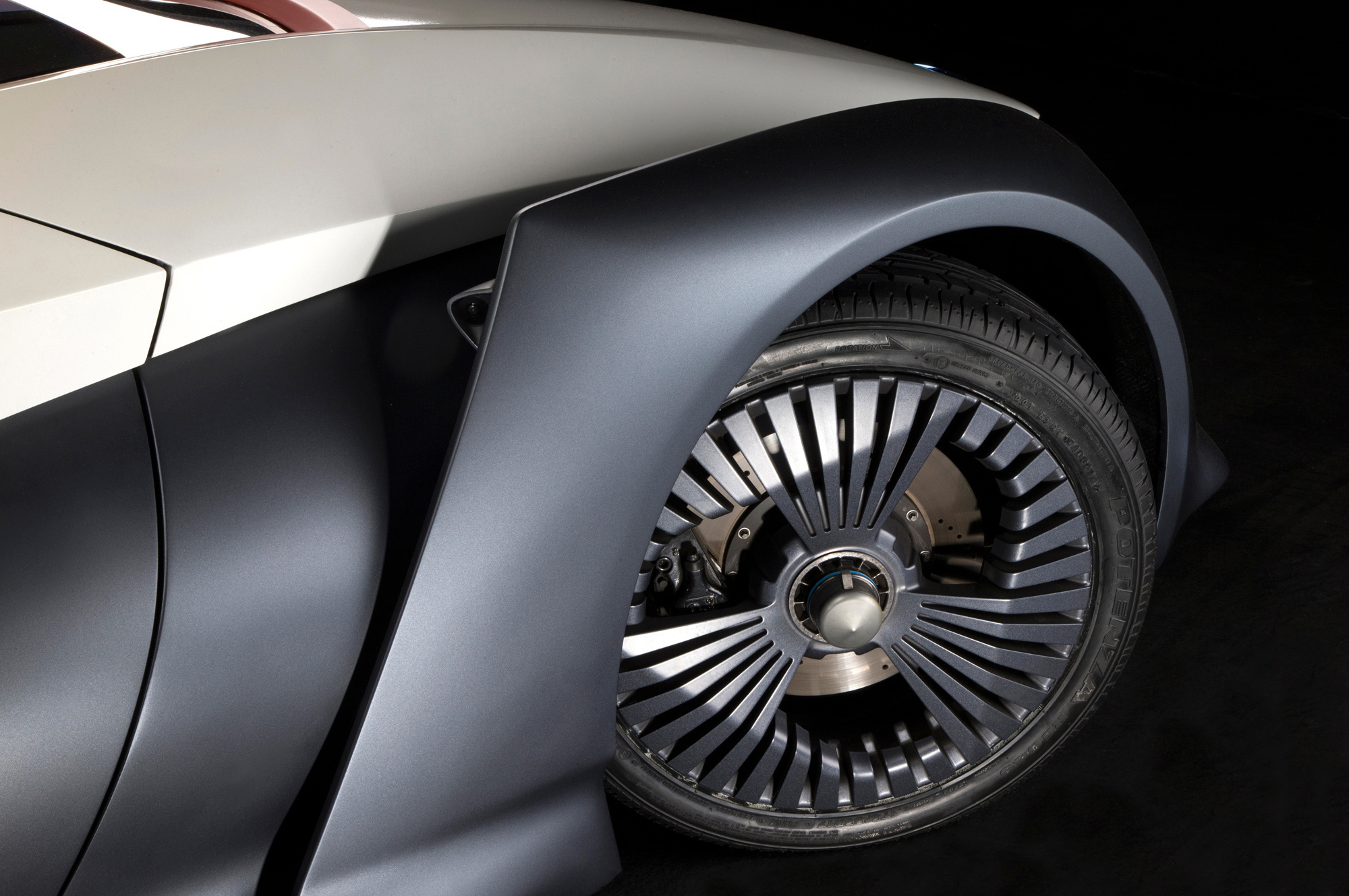 Nissan BladeGlider Pictures