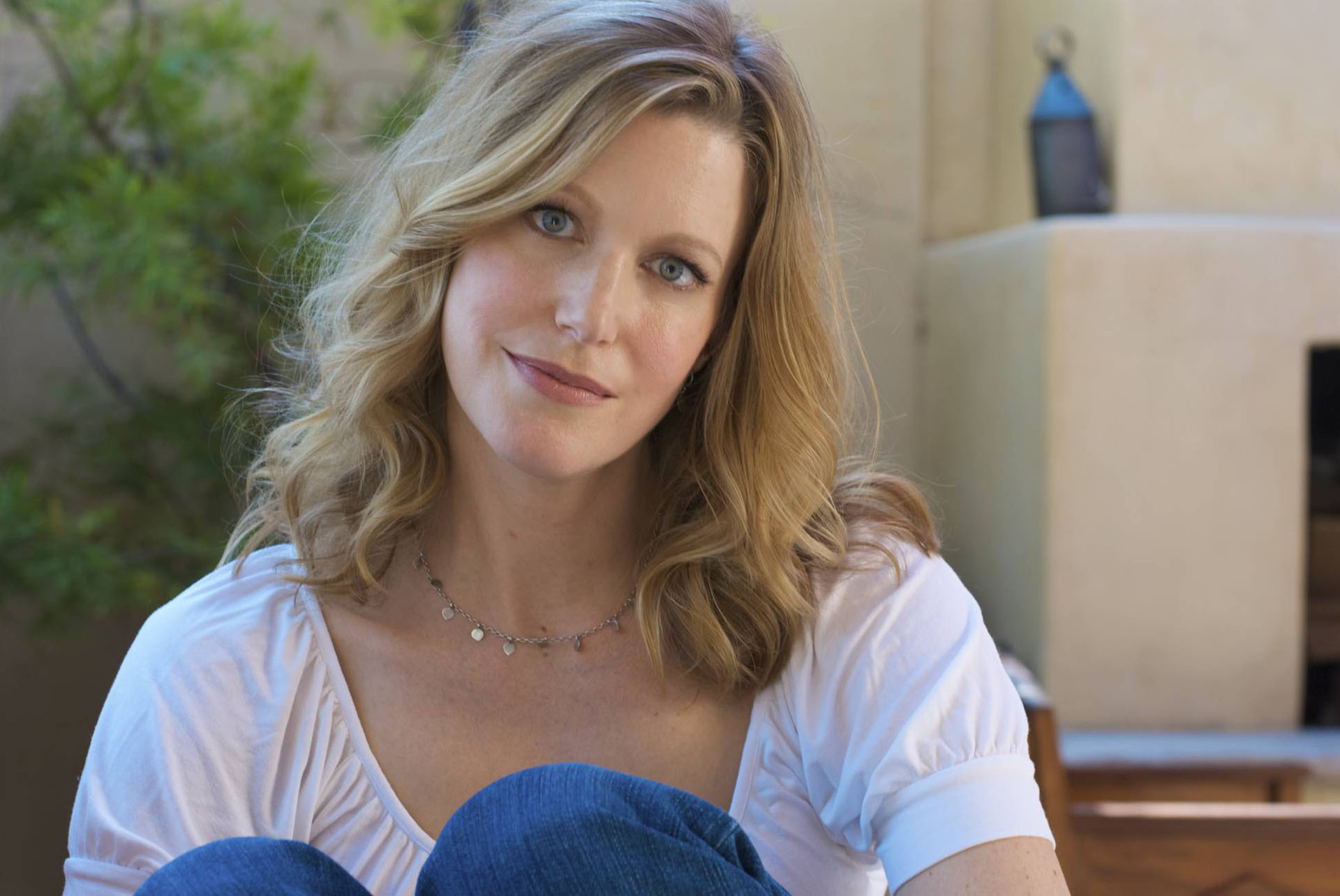 Pictures Of Anna Gunn