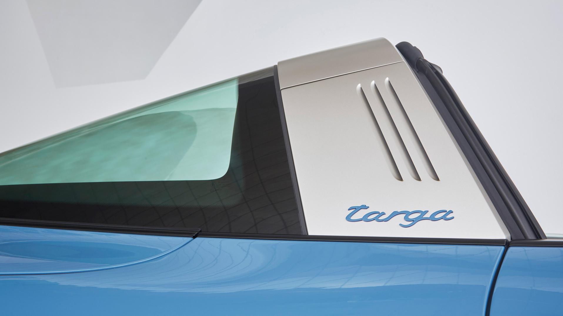 Porsche 911 Targa Photos