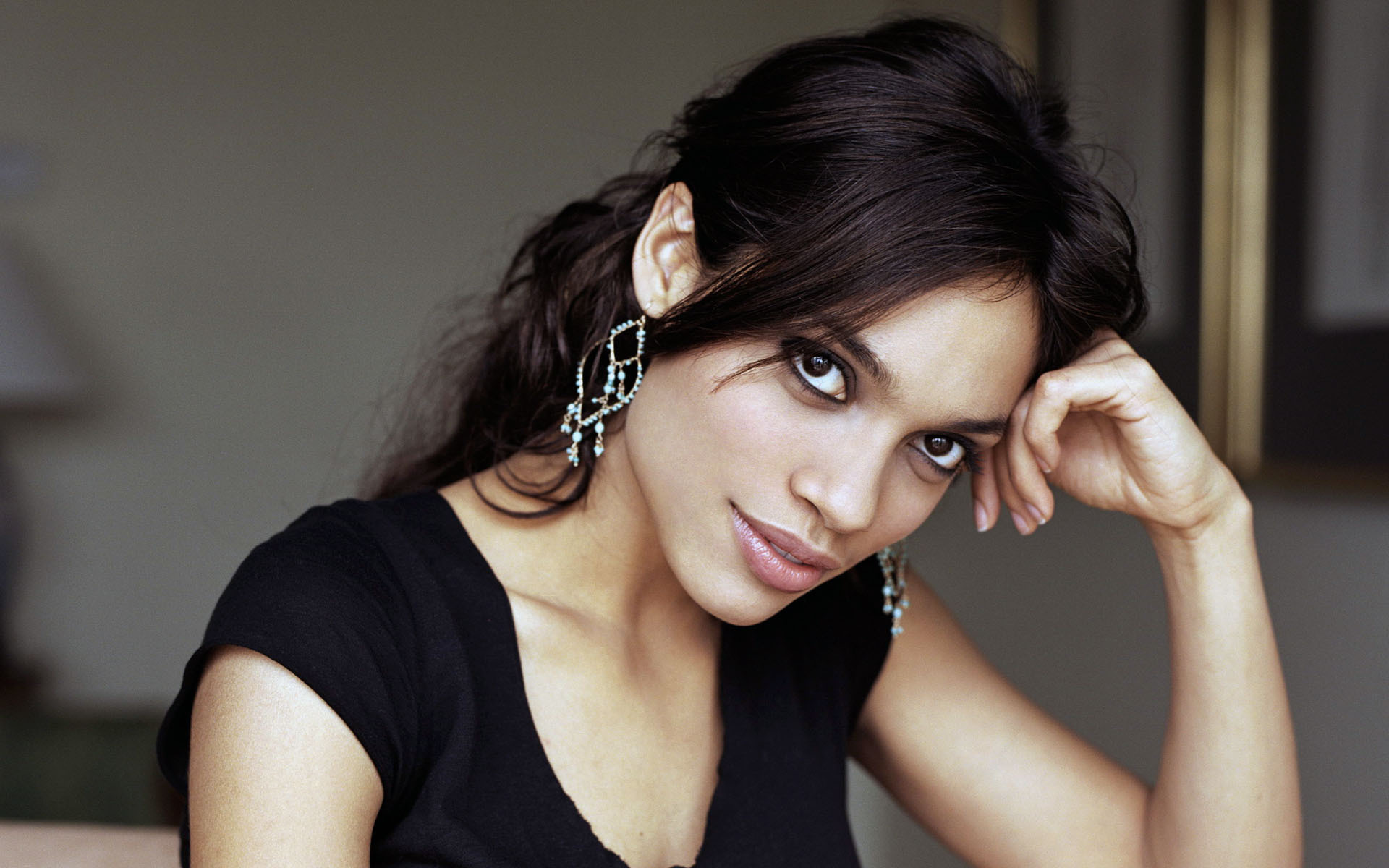 Rosario Dawson Sexy Wallpapers