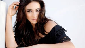 Shay Mitchell HD Desktop