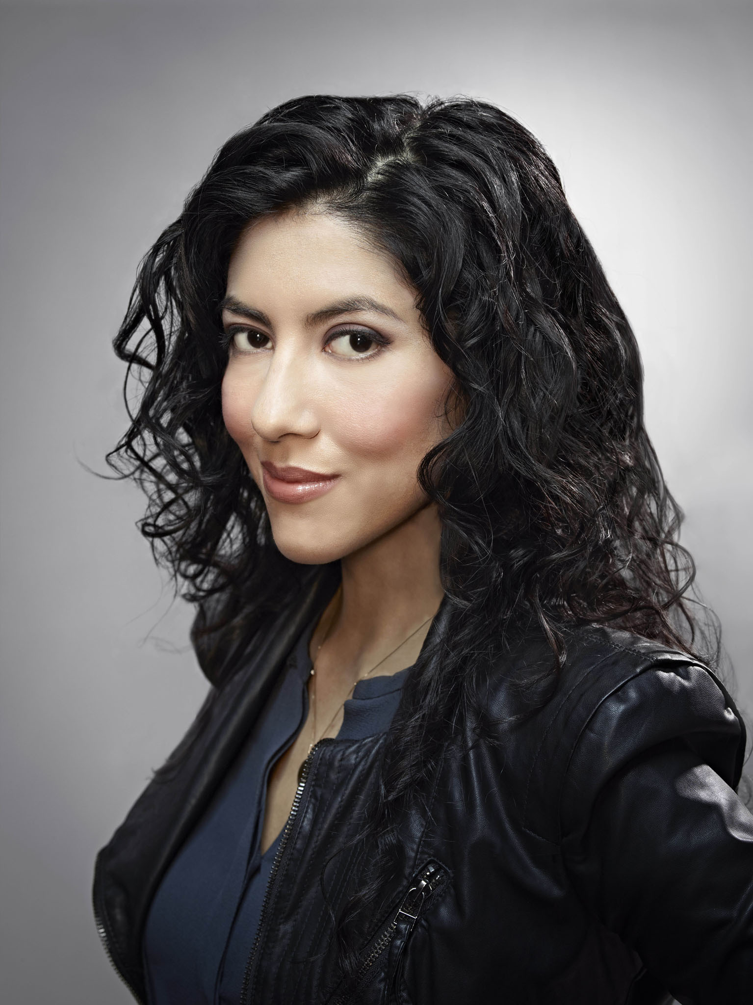 Stephanie Beatriz For Smartphone