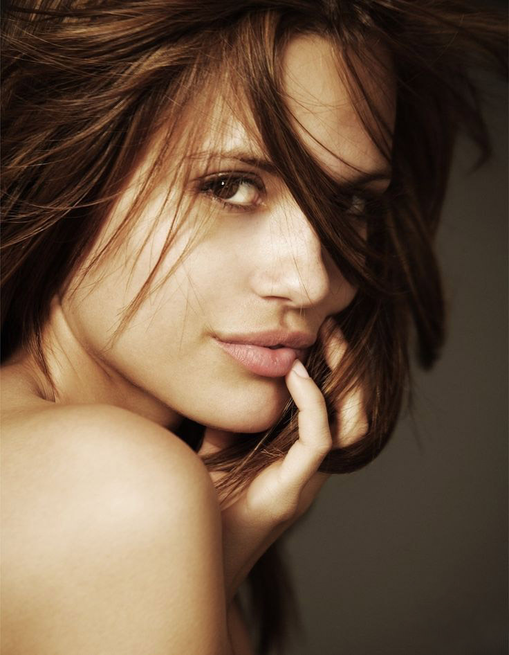 Torrey DeVitto Android Wallpapers
