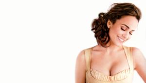 Alice Braga High Definition Wallpapers