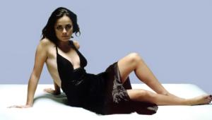 Alice Braga Widescreen