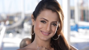 Ameesha Patel Hd Background