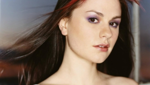 Anna Paquin High Definition Wallpapers