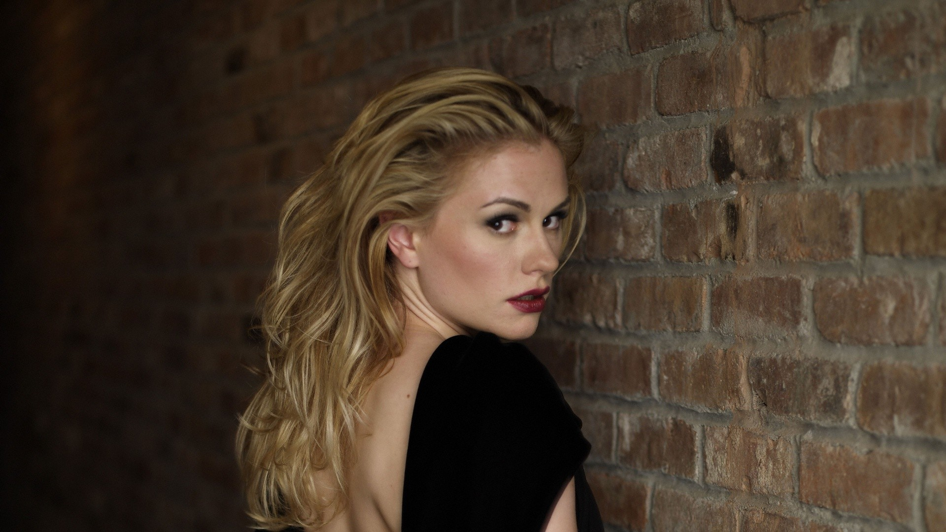 Anna Paquin Wallpaper For Laptop