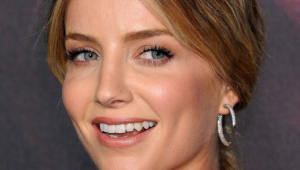 Annabelle Wallis Free Download Wallpaper For Mobile