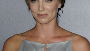 Annabelle Wallis Iphone Wallpapers