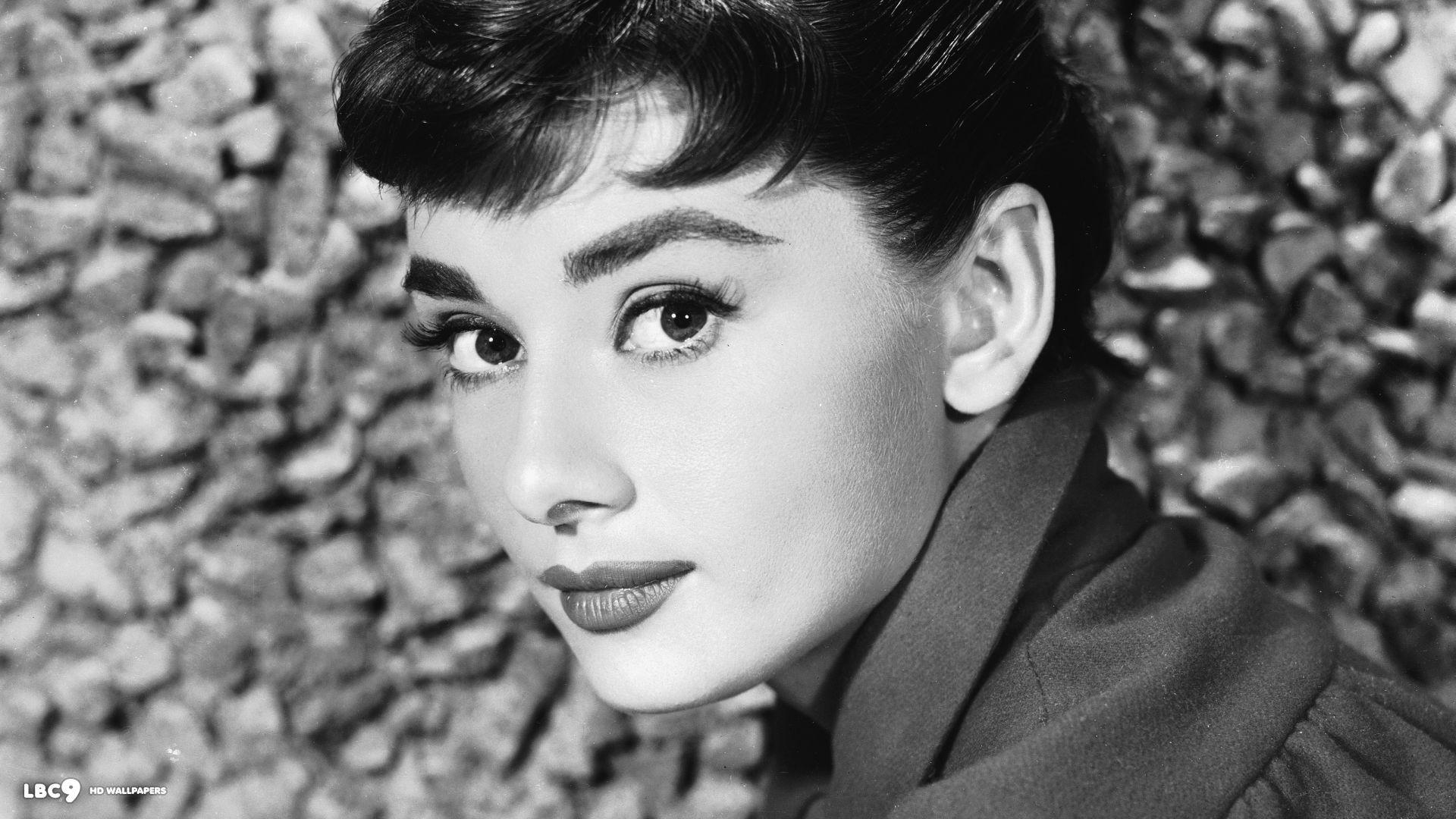 Audrey Hepburn High Definition Wallpapers