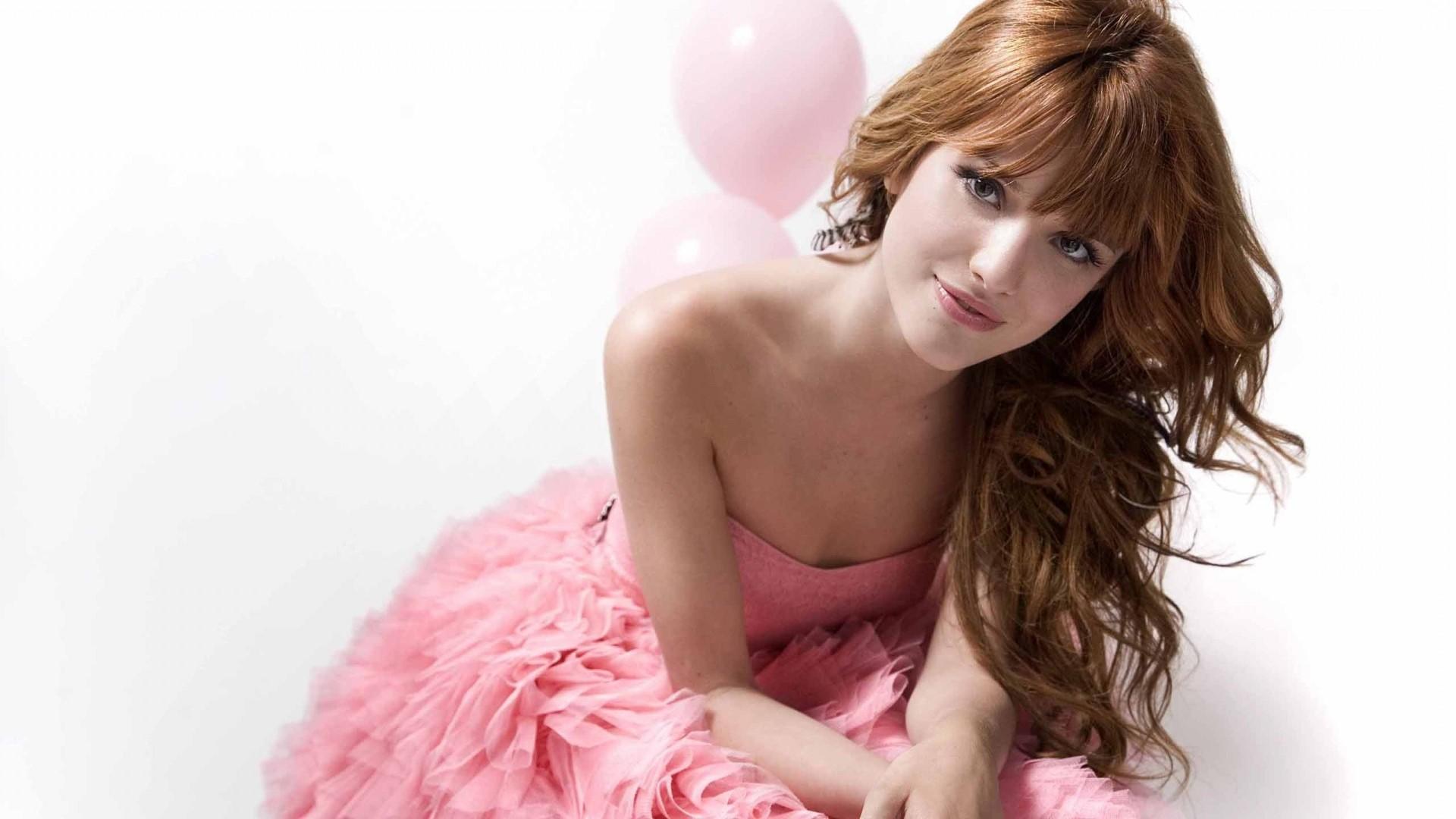 Bella Thorne Hd Background