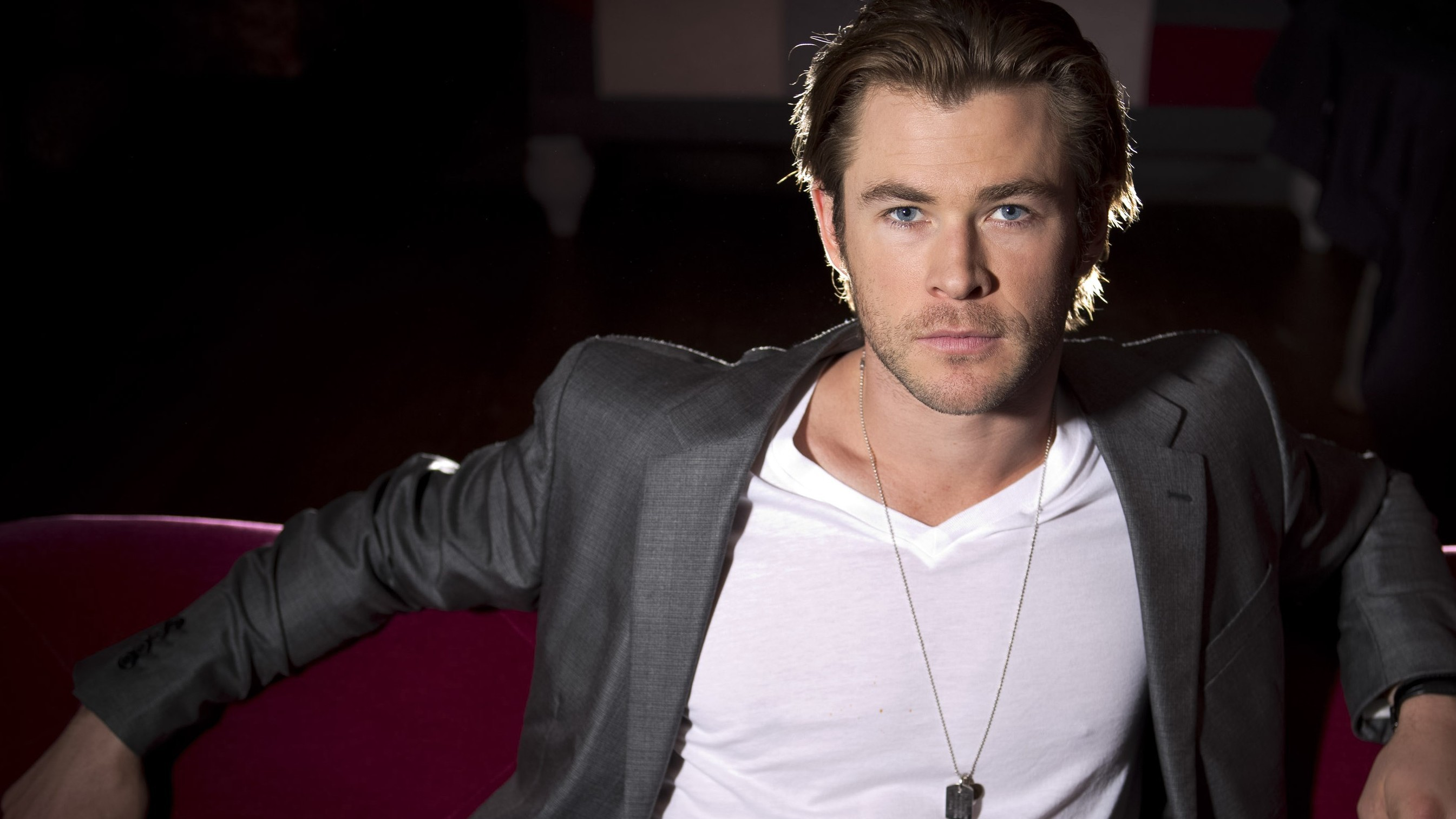 Chris Hemsworth Desktop Images