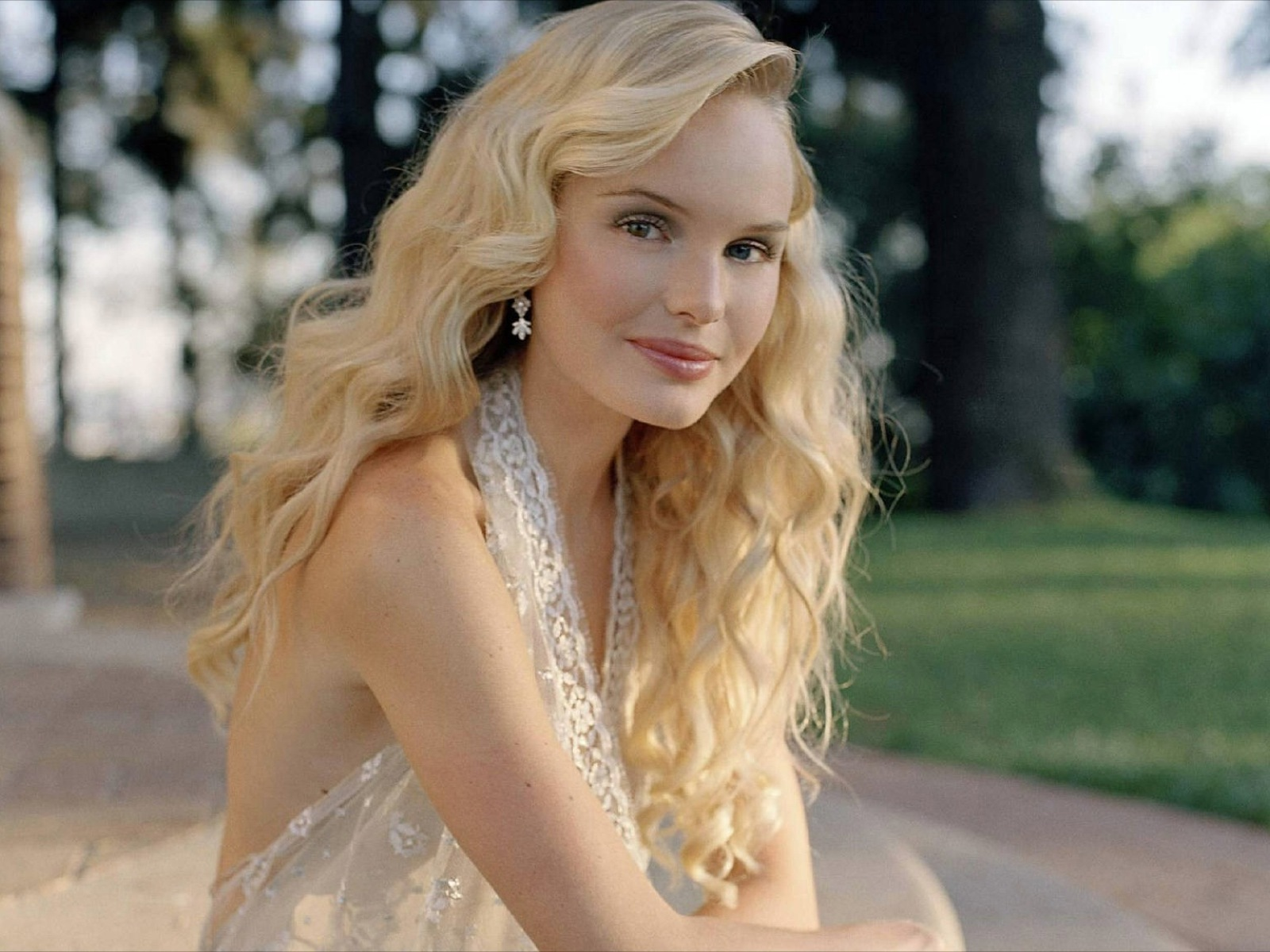 Kate Bosworth Computer Backgrounds