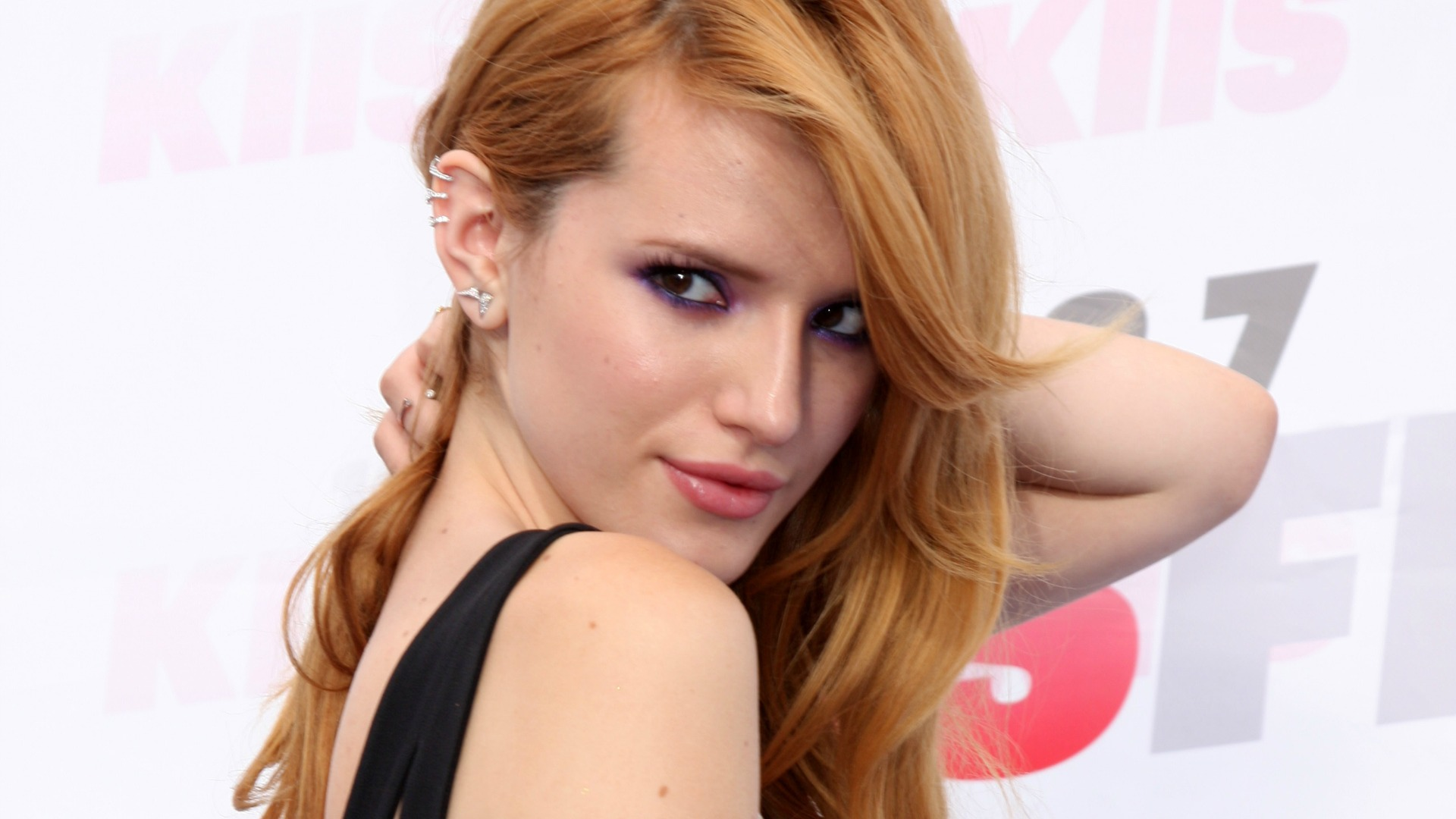 Pictures Of Bella Thorne