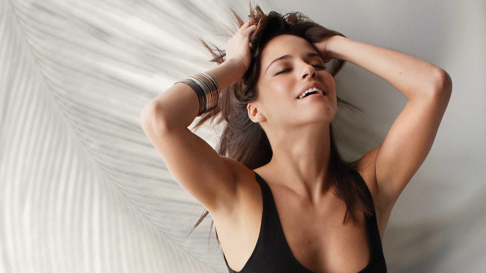 Ana Claudia Talancon Images