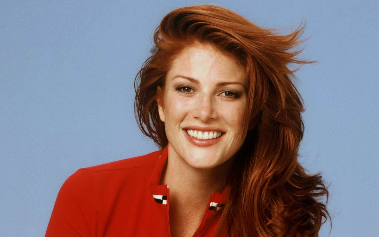 Angie Everhart HD Wallpaper